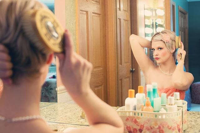 Miroir miroir, je sais, je suis la plus belle